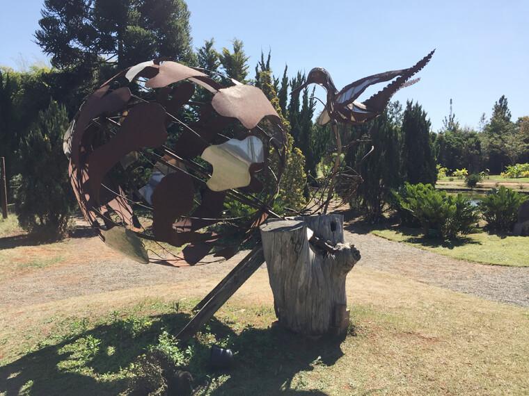 Uma das esculturas do Jardim Botânico de Brasília