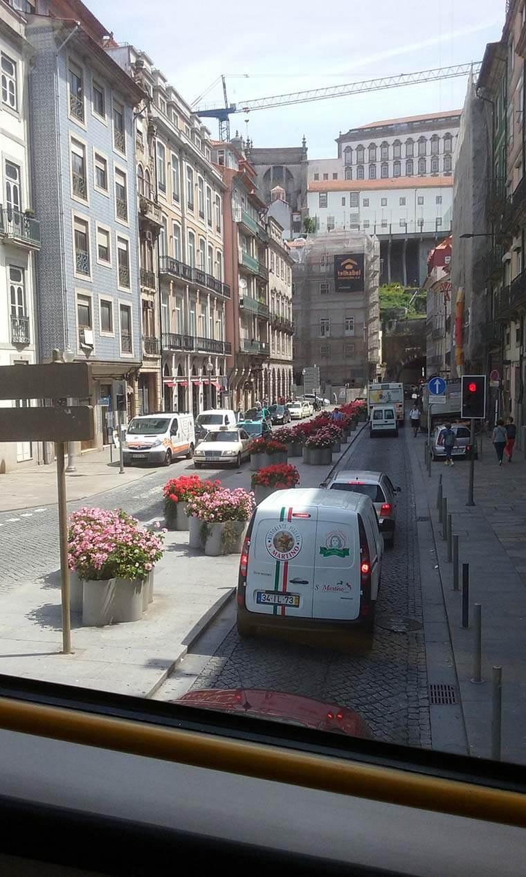 Rua das flores, em Porto